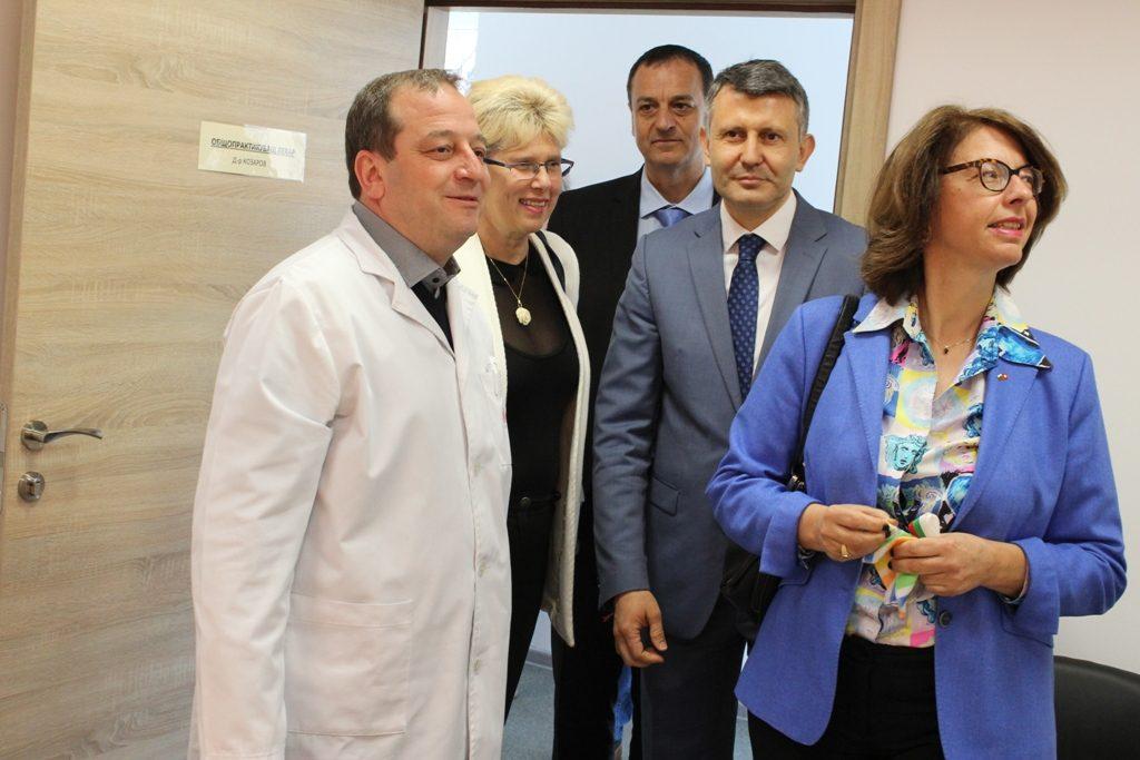 посещение на швейцарския посланик в Здравния център в Столипиново